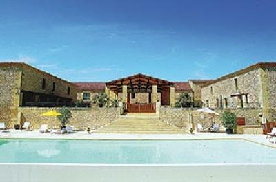 Restaurant la Villa Romaine près Sarlat, un cadre idyllique et un repas à la hauteur de vos attentes.